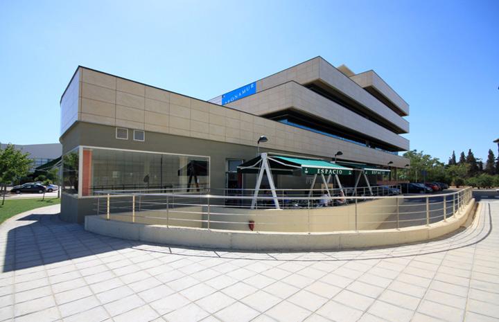 Fotografía de la fachada exterior del Café Espacio.